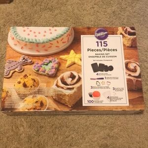 *Wilton 115 Piece Baking Set